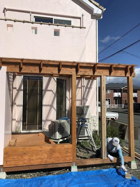盛岡市にてウッドデッキ塗装とサッシ工事を行いました。