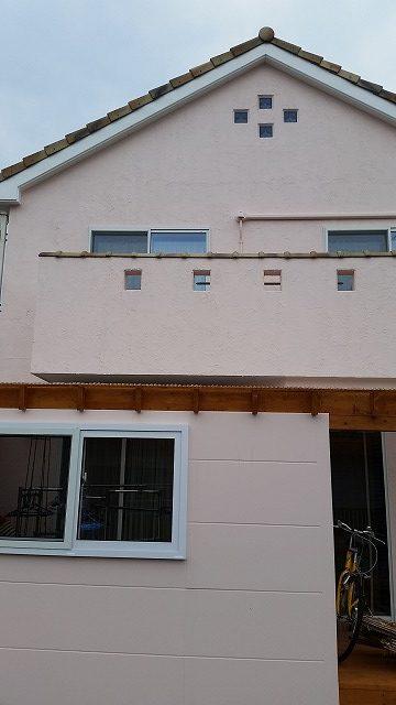 盛岡市にてポリカーボネイト屋根の補修にお伺いしました。